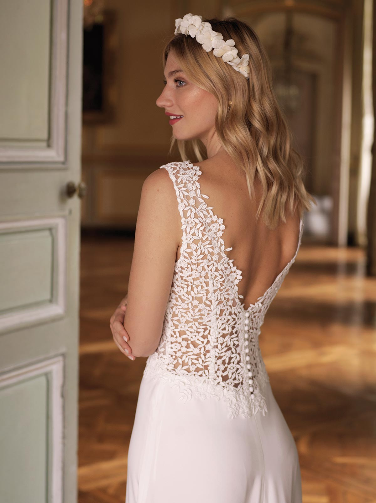 emma-dos-detail-marie-marie-laporte-collection-2020
